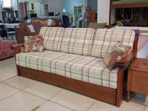 Современный диван-еврософа с большим спальным местом и двумя бельевыми ящиками