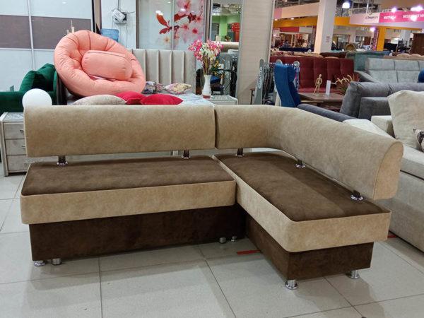 Кухонный диван со спальным местом и ящиком для хранения