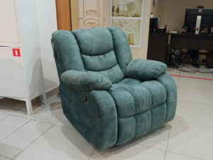 Мягкое, уютное кресло-глайдер