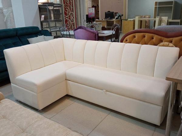 Угловой кухонный диван со спальным местом