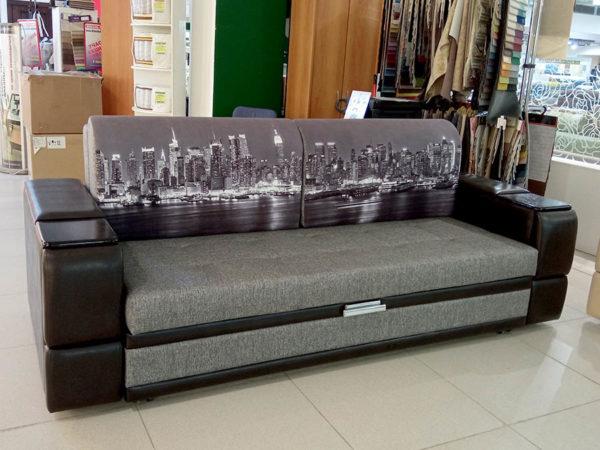 Многофункциональный диван-кровать с выкатным механизмом на металлокаркасе